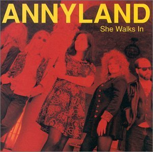 annyland-she-walks-in