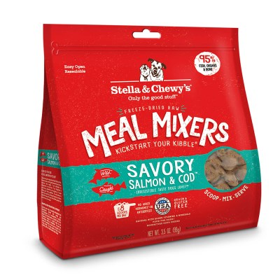 stella-chewy-dog-food-freeze-dried-savory-salmon-cod-meal-mixer