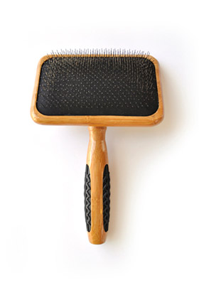 bass-brush-a19-large-slicker-brush