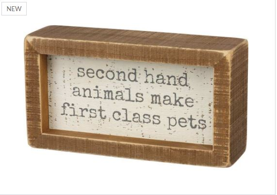 primitives-by-kathy-box-sign-first-class-pets