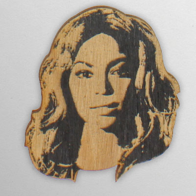 wood-ornament-beyonce